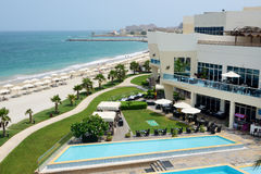 Os turistas que apreciam suas férias no hotel de luxo Foto de Stock Royalty Free