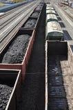 Estrada de ferro. Os carros do carvão. Fotos de Stock Royalty Free