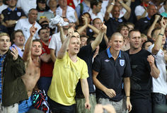 Os ventiladores ingleses reagem depois que batida de Inglaterra de Sweden Imagens de Stock