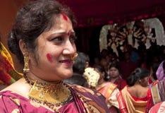 Os vermelhões jogam (khela de Sindur) durante o puja do durga Imagens de Stock Royalty Free