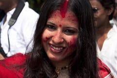 Os vermelhões jogam (khela de Sindur) durante o puja do durga Imagens de Stock