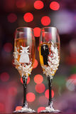 Os vidros decorados do casamento Fotografia de Stock Royalty Free