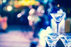 Os vidros do champanhe são alinhados Imagem de Stock Royalty Free
