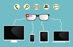 Os vidros espertos são conectados aos dispositivos Foto de Stock