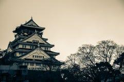 Osaka Castle em um tom do vintage Fotografia de Stock Royalty Free