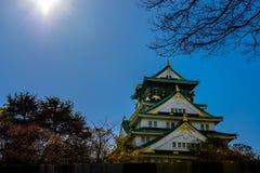 Osaka Castle in middagzon Stock Afbeeldingen