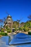Osaka Castle, o castelo verde com os emblemas dourados do tigre Foto de Stock Royalty Free