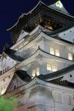 Osaka Castle på natten, Japan Royaltyfria Bilder