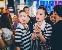 OSAKA, JAPÃO - 31 DE OUTUBRO DE 2015: Rua da compra de Dotonbori em Osa Fotografia de Stock Royalty Free