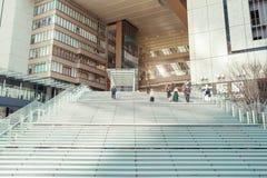 OSAKA, JAPÓN, EL 27 DE MARZO: Osaka Station es un statio ferroviario importante fotografía de archivo