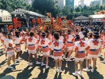 Osaka, Japón - festival de Tenjin Matsuri imagenes de archivo