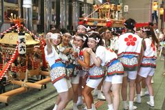 Osaka, Japón - festival de Tenjin Matsuri imagen de archivo