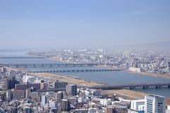 Osaka Japan e fiume di Yodo immagini stock
