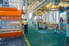 OSAKA JAPAN - JULI 18, 2017: Stäng sig upp av Tempozan Ferris Wheel i Osaka, Japan Hjulet har en höjd av 112 5 metrar Fotografering för Bildbyråer
