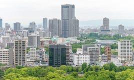 OSAKA JAPAN - MAJ 2016: Flyg- sikt för stad Osaka tilldrar 5 maler Royaltyfri Fotografi