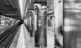 OSAKA, JAPAN - MEI 28: Binnenland van Osaka Station op 28 Mei, 2016 Stock Foto's