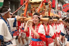 Osaka Japan - Tenjin Matsuri festival royaltyfria foton