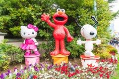 OSAKA JAPONIA, NOV, - 21 2016: Elmo, kiciunia i Snoopy w Halloween, Zdjęcia Royalty Free