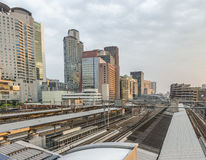 Osaka linia horyzontu przy zmierzchem, Japonia obrazy stock