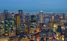Osaka på natten, Japan Arkivbild