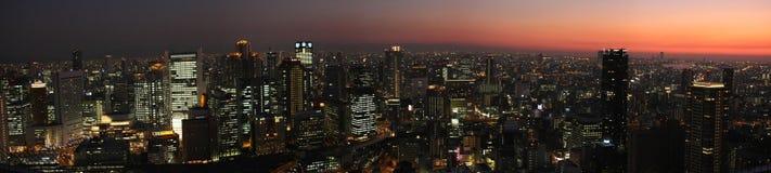Osaka-Skyline am Sonnenuntergang Stockfotos
