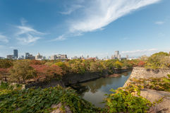 Osaka Skyline van Osaka Castle Stock Fotografie