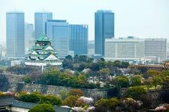 Osaka stad med slotten Royaltyfri Fotografi