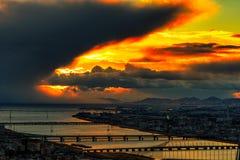 Osaka under brinnande himlar arkivfoto