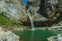 Osaldo de Huesca de la cascada imagenes de archivo