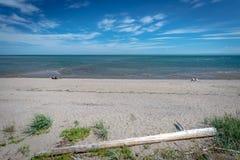 Osamotneni kąpielowicze na plaży StIrenee, Quebec obrazy royalty free