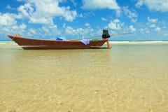 Osamotniona łódź Zdjęcie Stock