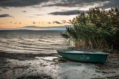 Osamotniona łódź Obraz Stock