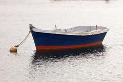 Osamotniona łódź rybacka Fotografia Royalty Free