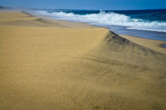 Osamotniona plaża, Portugalia Obrazy Royalty Free