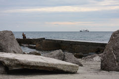 Osamotniona rzeźba na plaży Obraz Stock