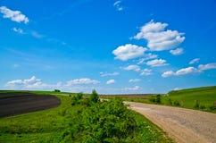 Osamotniona wsi droga Zdjęcia Stock
