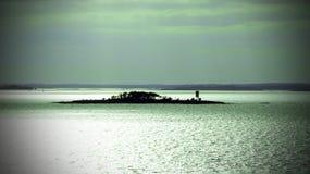 Osamotniona wyspa w morzu bałtyckim Obrazy Stock