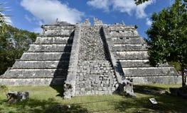 Osario pyramid Fotografering för Bildbyråer