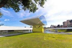 Oscar Niemeyer Museu, Curitiba, Brésil Images libres de droits