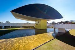 Oscar Niemeyer Museum em Curitiba imagens de stock