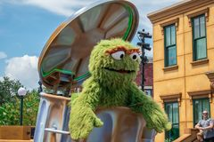 Free Oscar The Grouch In Sesame Street Party Parade At Seaworld 3 Royalty Free Stock Images - 158179659