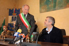 The oscar-winning director alfonso Cuarón. In the picture the director and the mayor of Pietrasanta Domenico Lombardi. The oscar-winning director Alfonso Cuar stock images