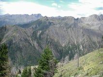 Oscila las montañas majestuosas Hamar Daban Fotos de archivo