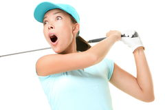 Oscilación del golf - el jugar de la mujer aislado Fotos de archivo libres de regalías