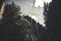 Oscile la ciudad, parque nacional de Adrspach-Teplice en la República Checa, efecto del hdr Imagen de archivo libre de regalías