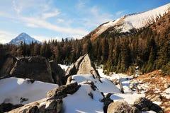 Oscile las pilas y las montañas Foto de archivo libre de regalías