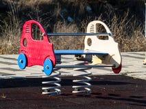 Oscillation d'une voiture sur un parc urbain Photo libre de droits