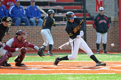 Oscillation de base-ball après la pluie - le Maryland Images libres de droits