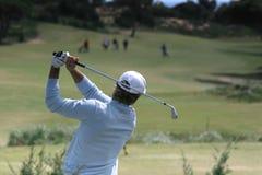 Oscillation de golf d'homme Image stock