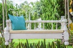 Oscillation de vintage et oreiller de vert bleu de turquoise Photographie stock libre de droits